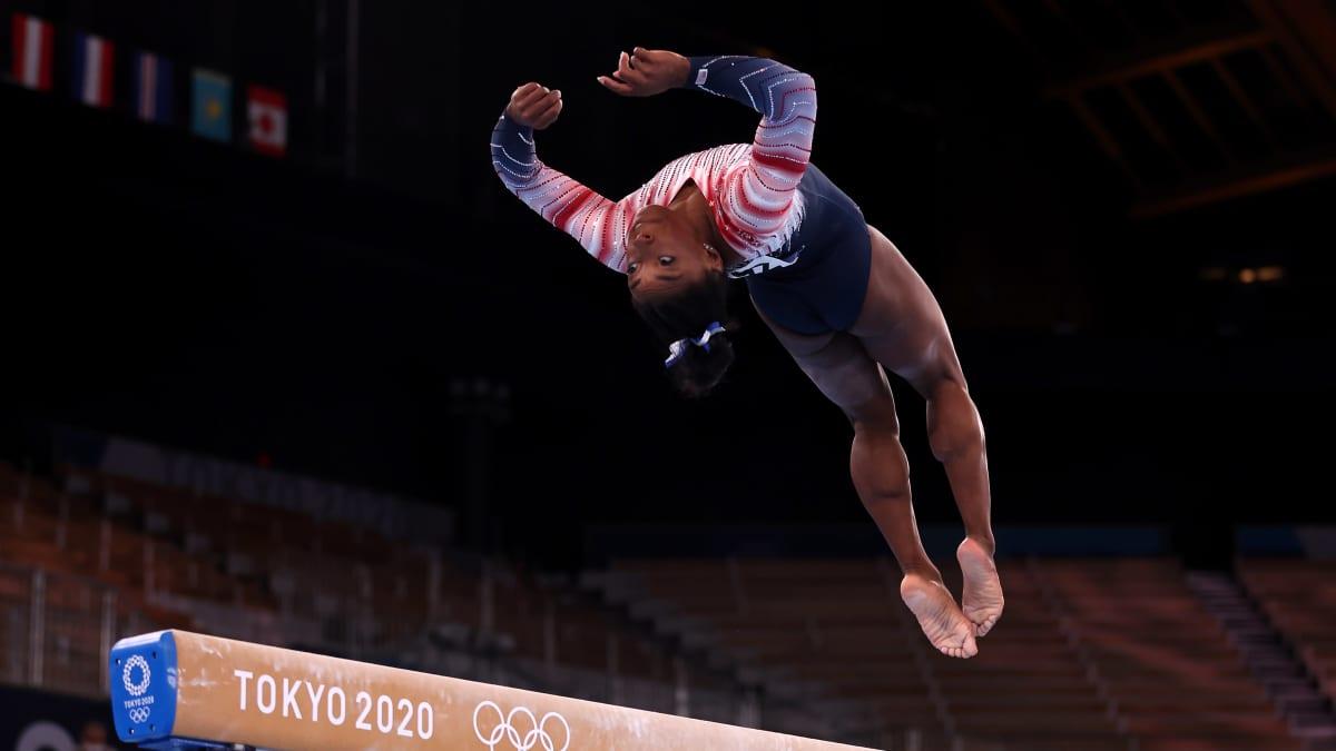 Yhdysvaltojen Simone Biles kilpaili viimein olympialaisissa, nappasi pronssia puomilta