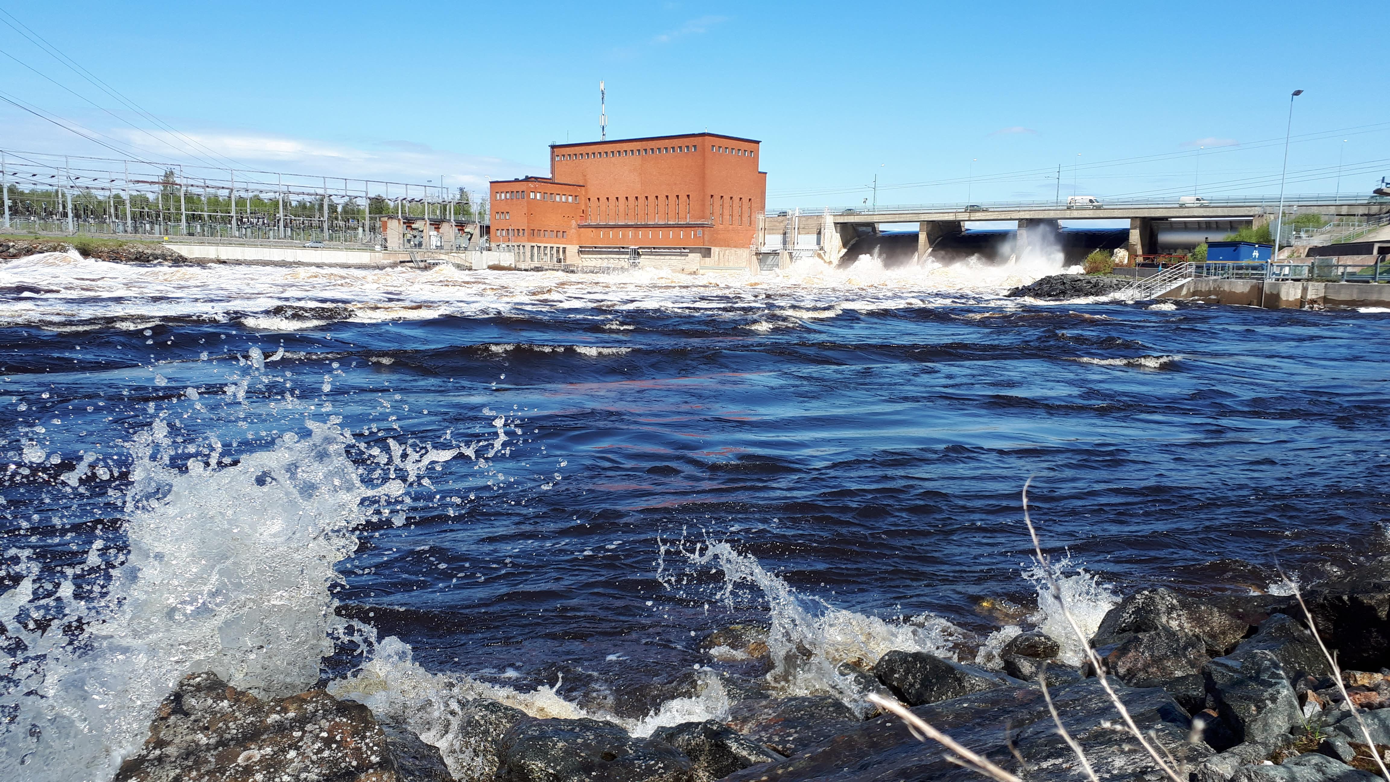 Isohaaran voimalaitoksen tulvajuoksutuksia