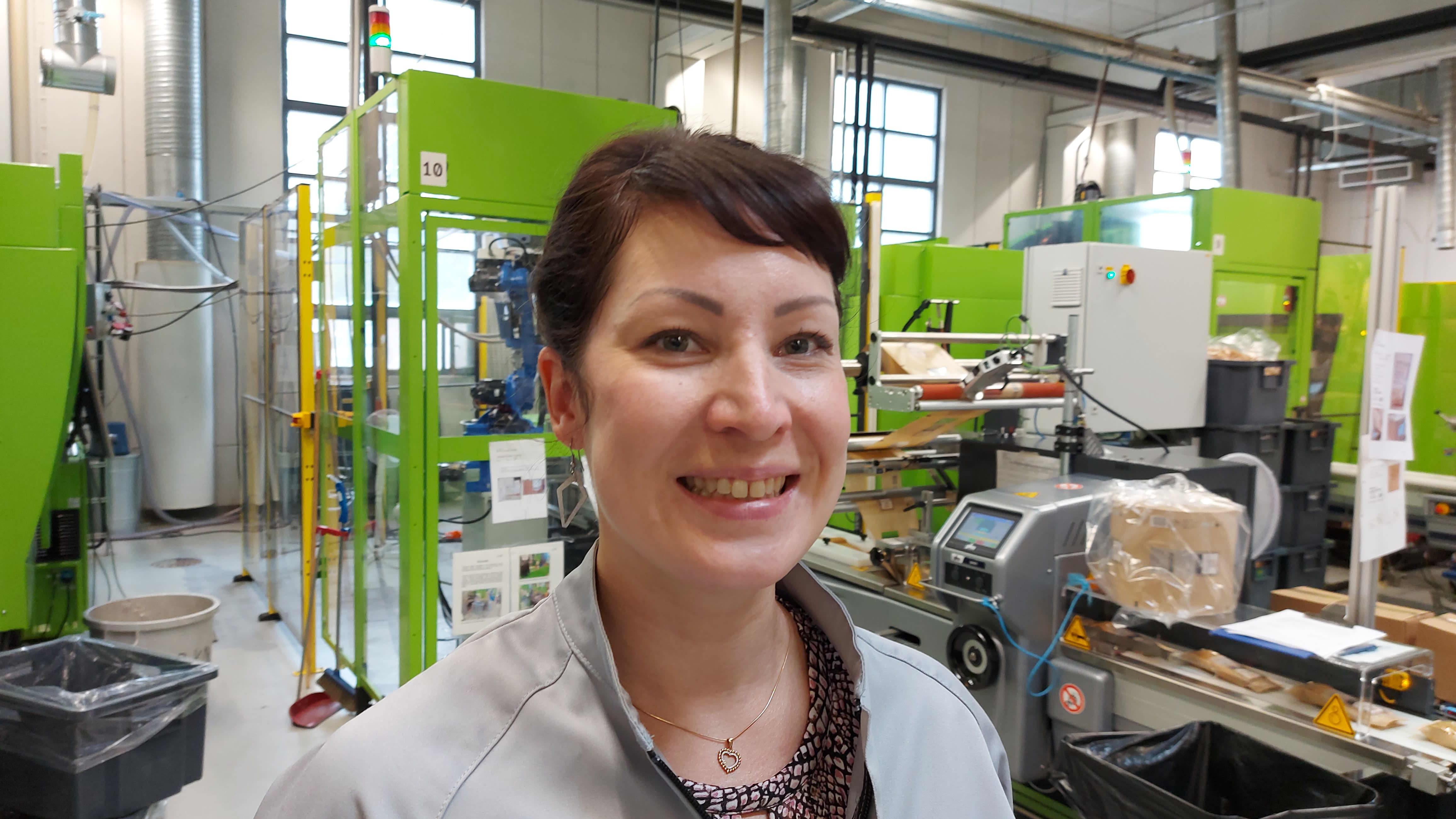 Akvila Cutleryn tehtaanjohtaja Niina Haapasalo