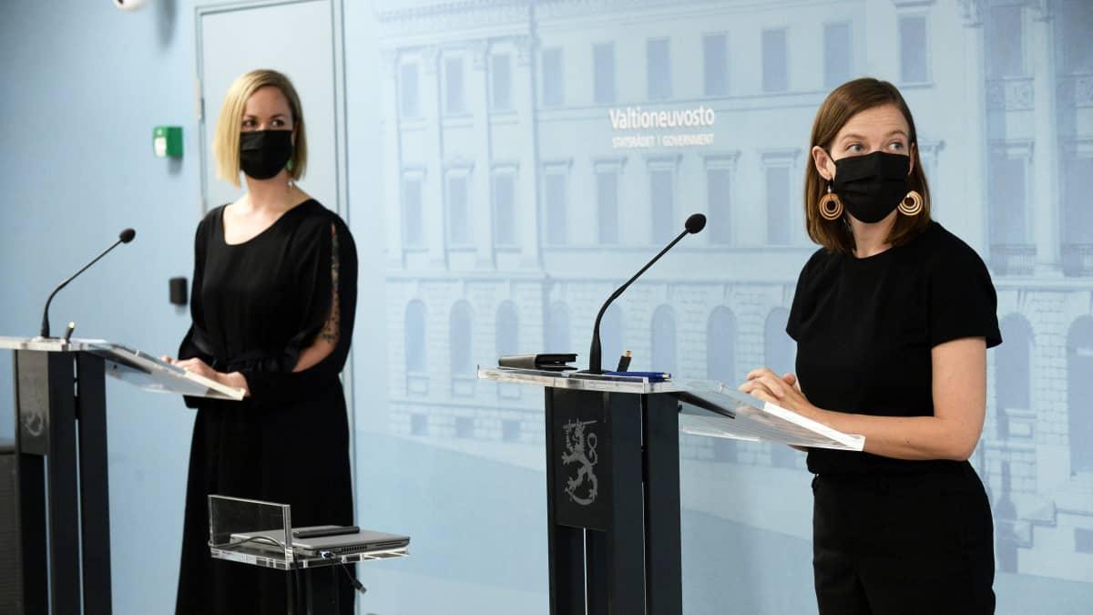 Opetusministeri Li Anderssonin mukaan uudet työllisyystoimet saavat odottaa