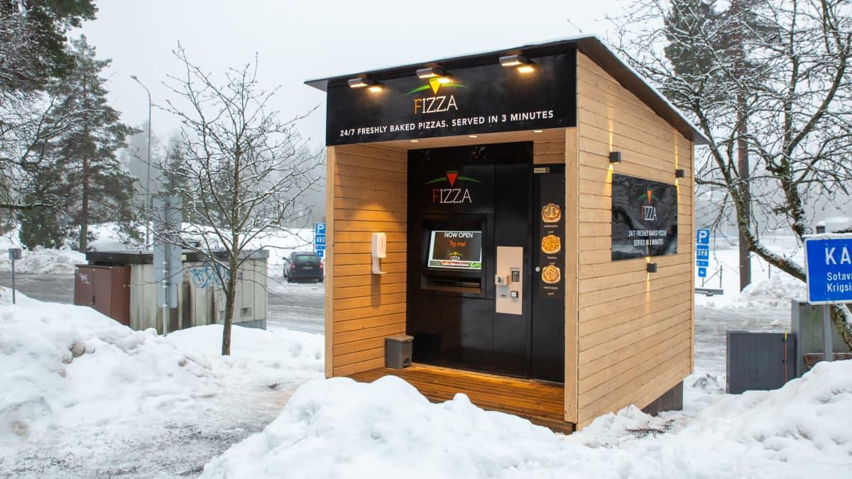Suomen ensimmäinen pizza-automaatti