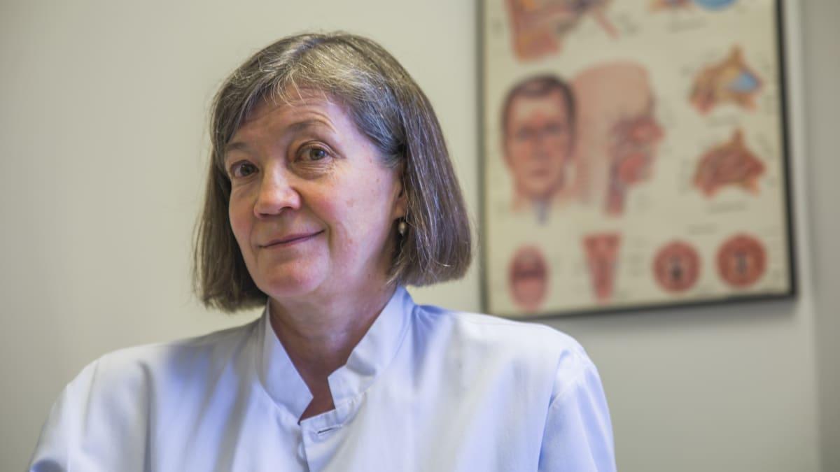 Erna Kentala, pää ja kaula toimialajohtaja sekä korva-, nenä- ja kurkkutautien ja audiologian erikoislääkäri.