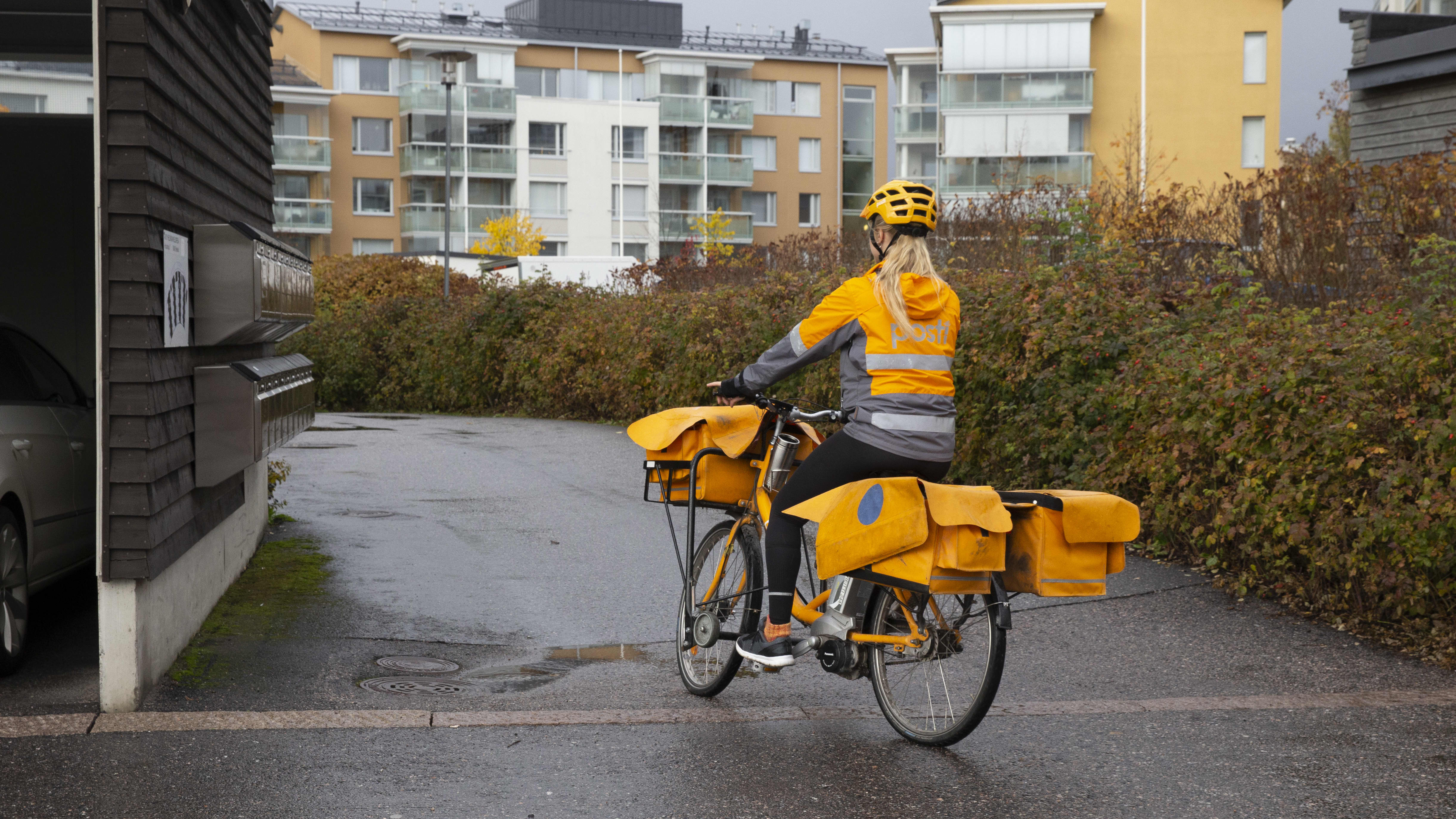 Sara Luostainen / postinjakaja / postinjakaja / Pasila 11.10.2019