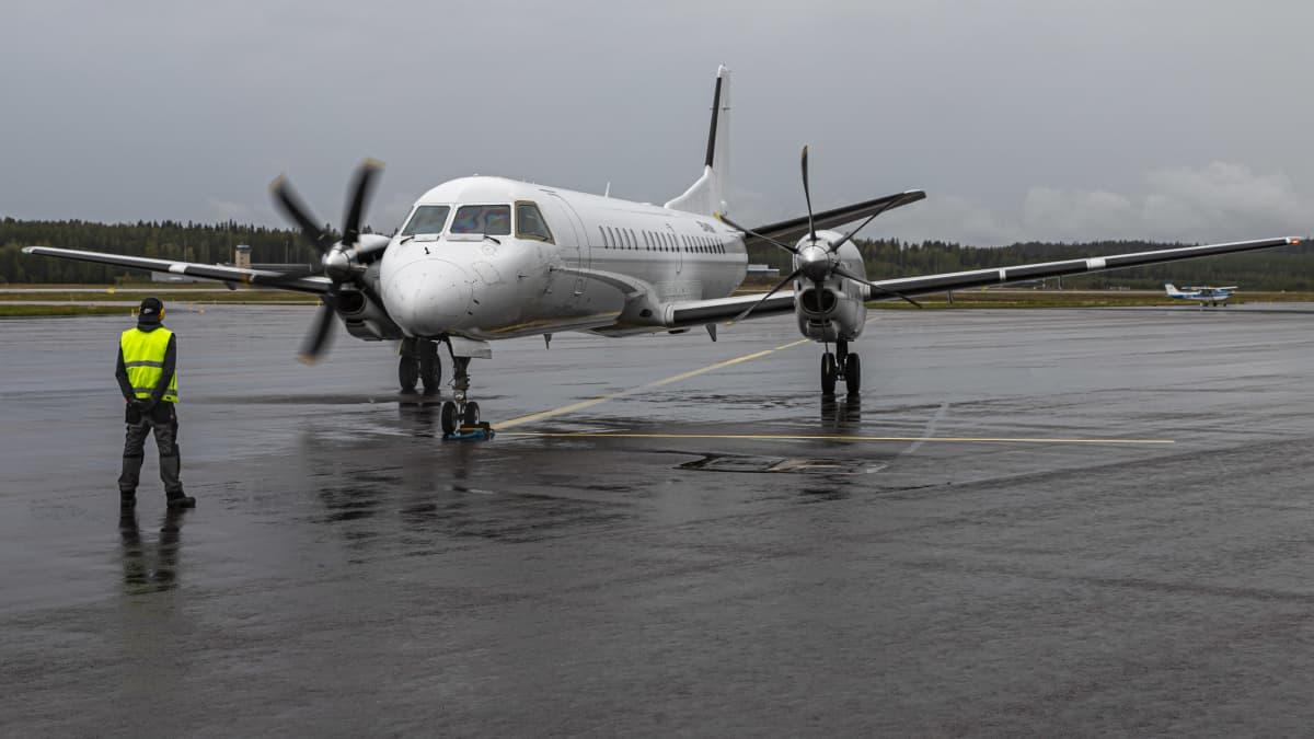 Valtio jatkaa lentoliikennettä viidelle maakuntakentälle elokuuhun 2022 asti. Sen jälkeen liikenteen pitäisi kannattaa ilman valtion tukea.