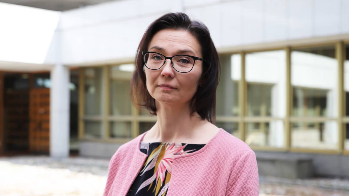 Kymsoten johtava sosiaalityöntekijä Tarja Mäntynen