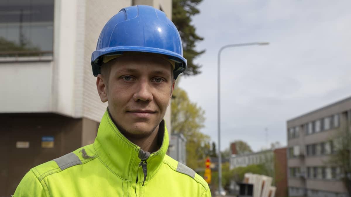 Siim Kukk on kotoisin Virosta ja asuu nykyään Herttoniemessä.