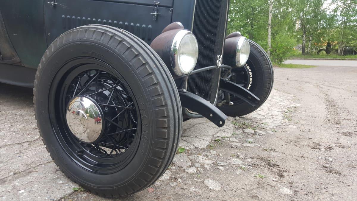 Ford 1928 renkaat ja etuvalot