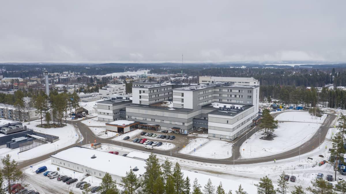 Kainuun uusi keskussairaala ilmasta kuvattuna.