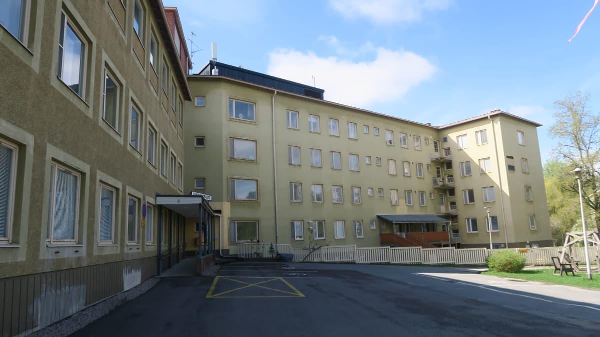 Hattulan kunnanvirasto Pappilanniemessä