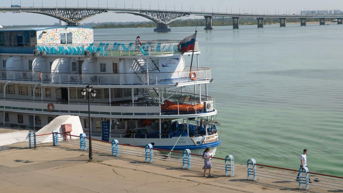 Volgan rannalla Saratovissa
