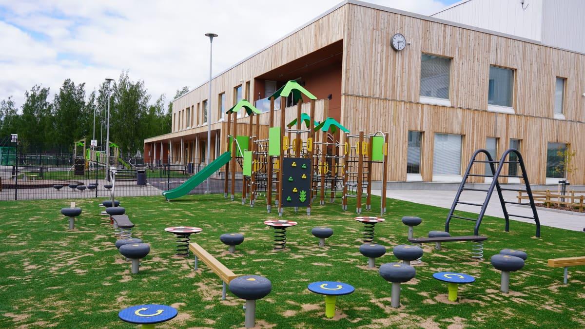 Espoon Leppävaarassa suomen- ja ruotsinkieliset koulut muuttavat saman katon alle - katso, miltä näyttää 1 300 lapsen uusi oppimiskeskus, jonka tilat ovat mahdollisimman muunneltavia