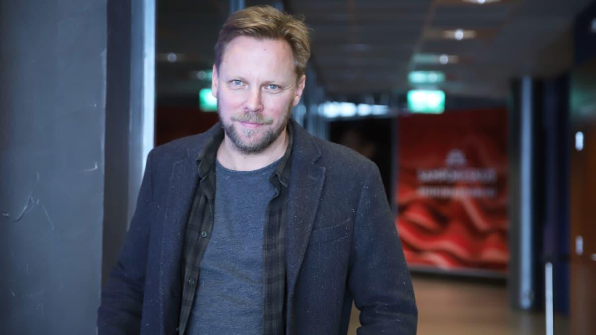 Elokuvaohjaaja Veiko Õunpuu Viimeiset -elokuvan pressinäytöksessä