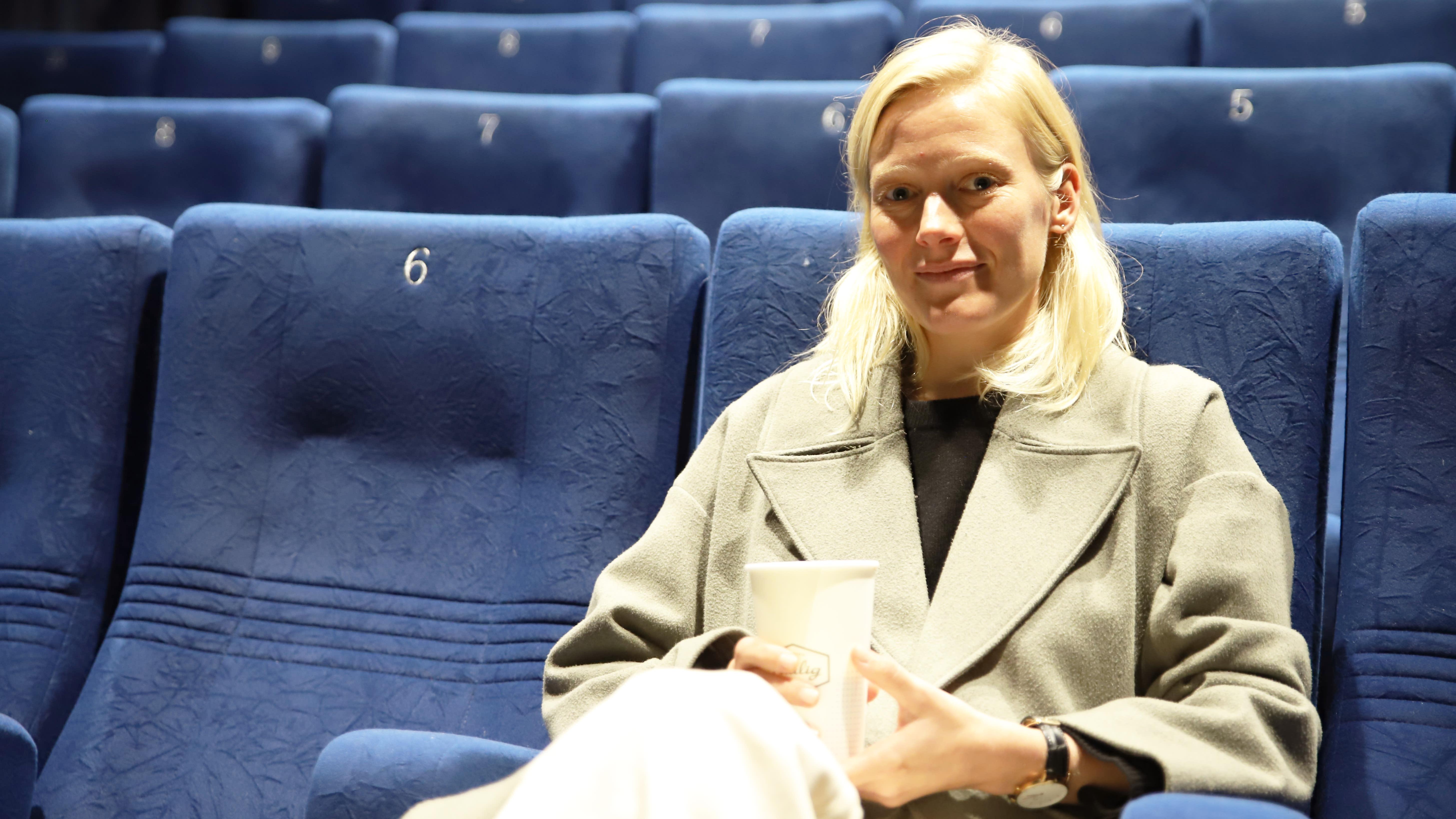Näyttelijä Laura Birn Viimeiset-elokuvan pressinäytöksessä