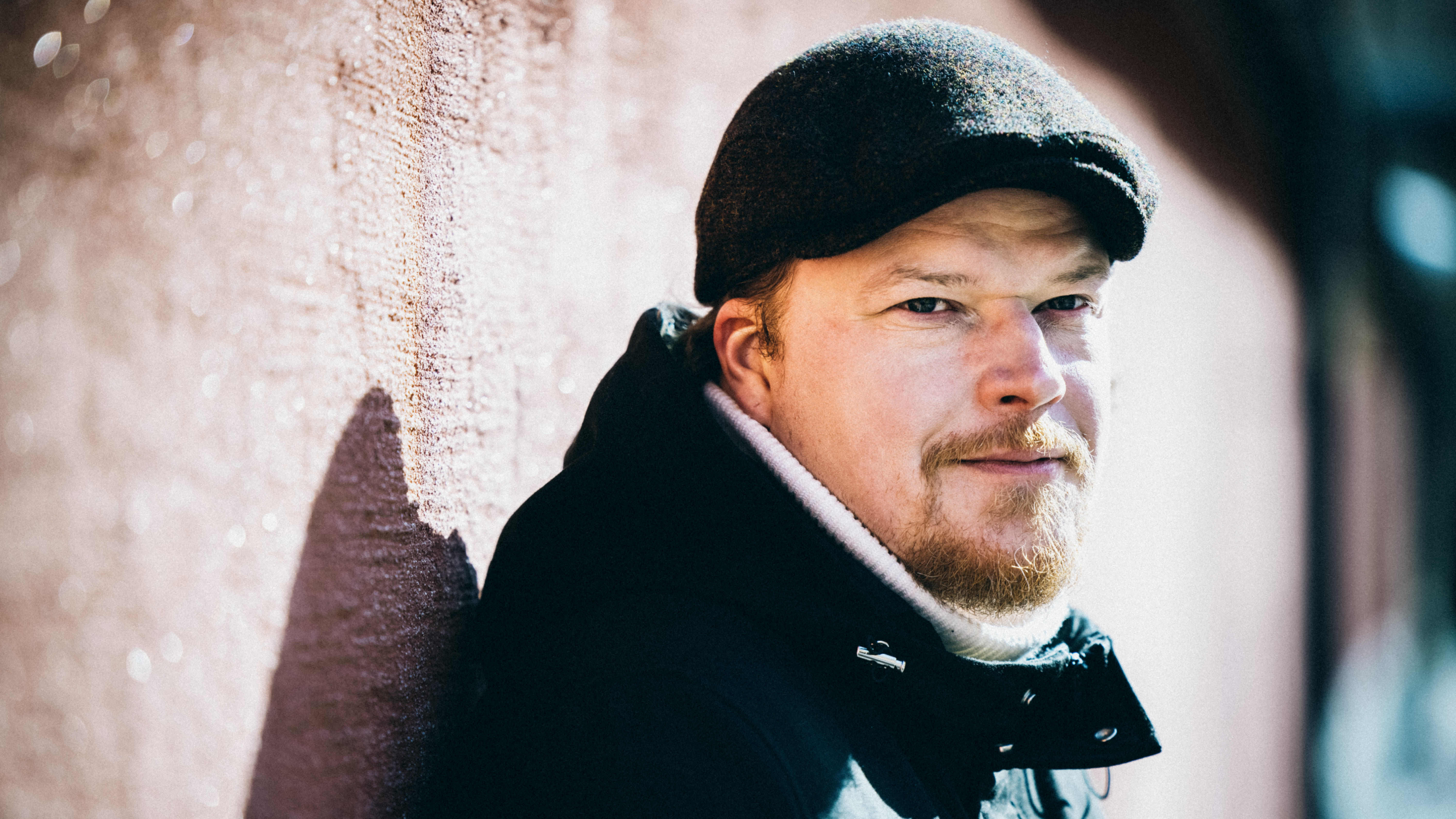 Kirjailija Juhani Brander.