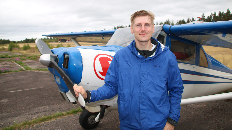 Saksalainen ilmailija piipahti Nummelan lentokentällä