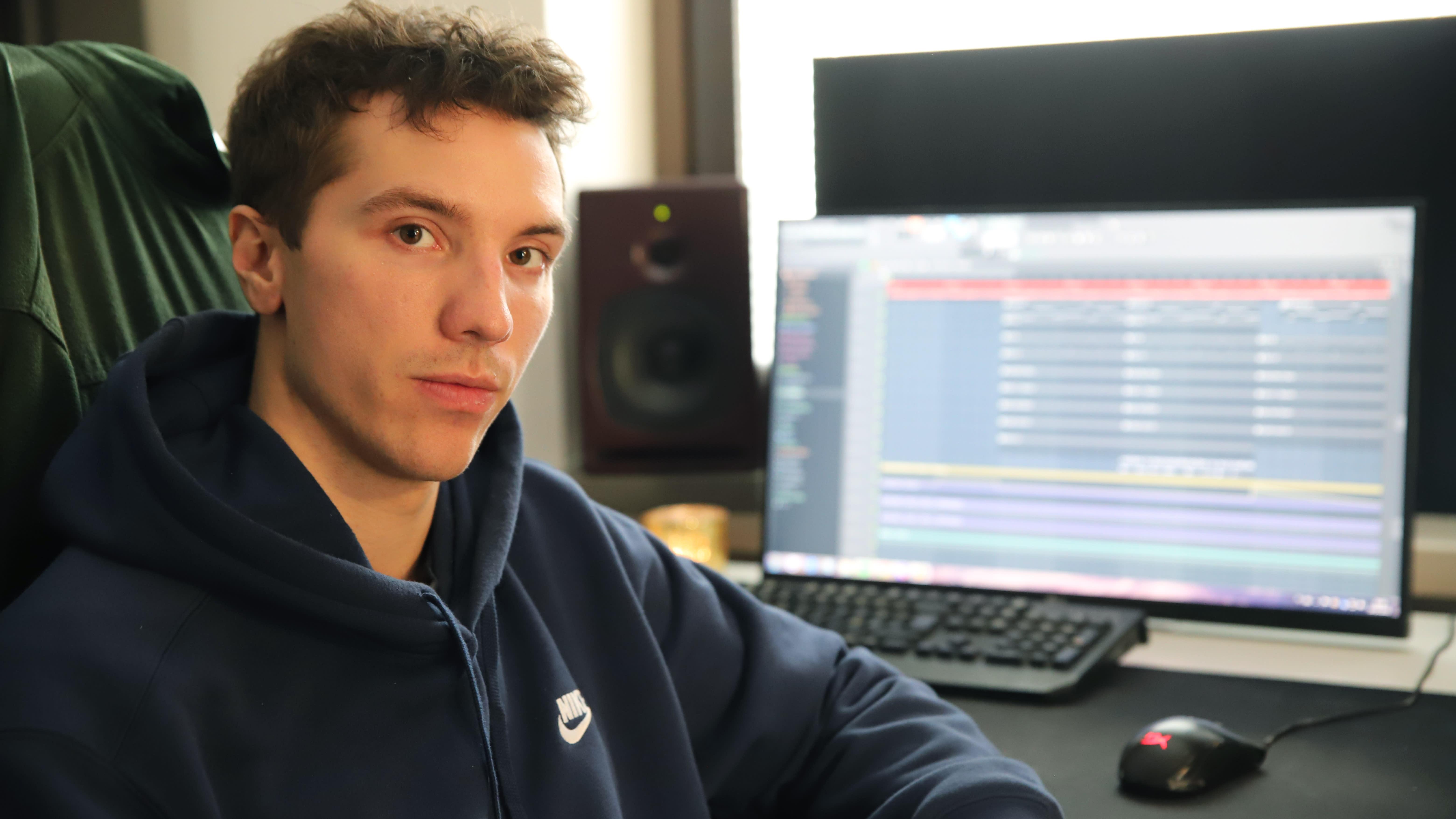 Tuottaja Anselmi Ala-Kaila, taiteilijanimeltään Aitio.