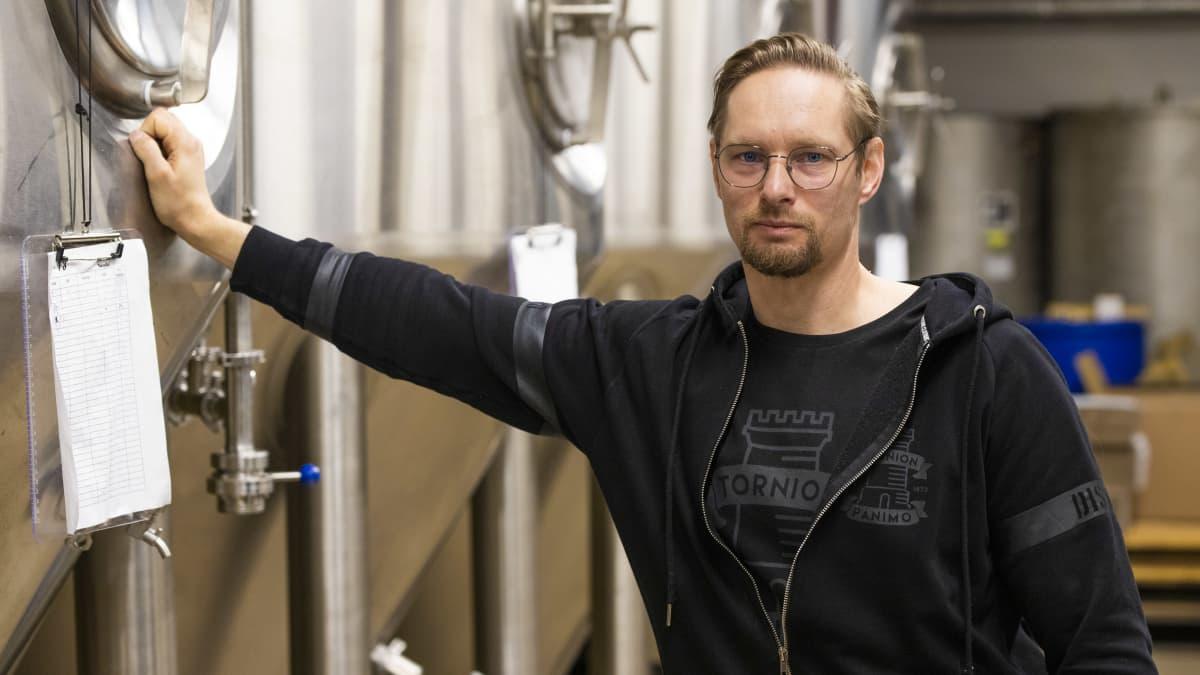 Pienpanimot kehittävät alkoholittomia juomia kasvavaan kysyntään – Torniossa tehdään jääteetä