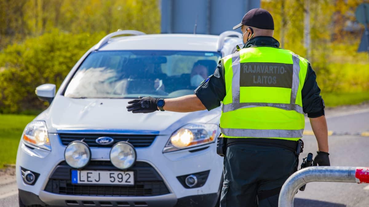 Torniolaisten tunnelmia, kun Ruotsi poisti matkustusrajoitukset rajalta
