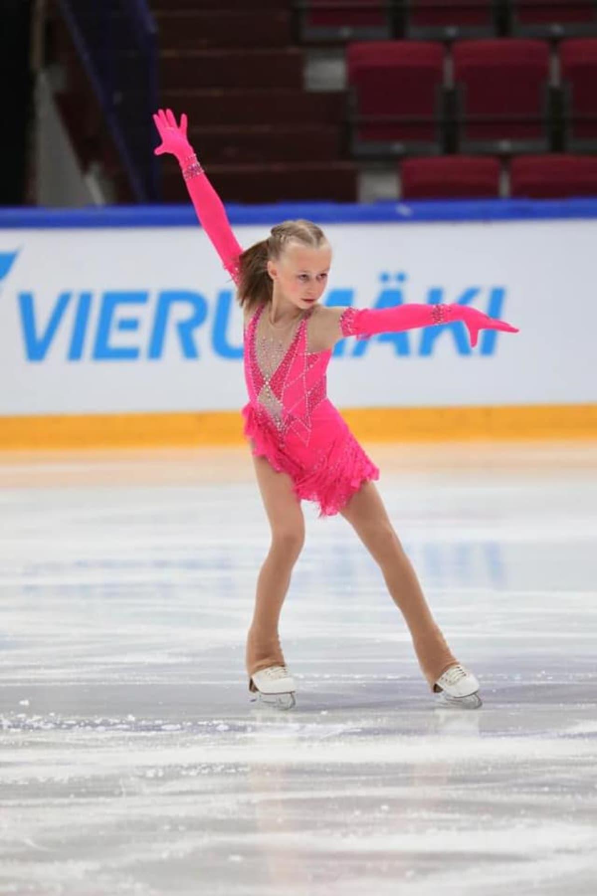 Janna Jyrkinen sai taitoluistelun SM-pronssia.