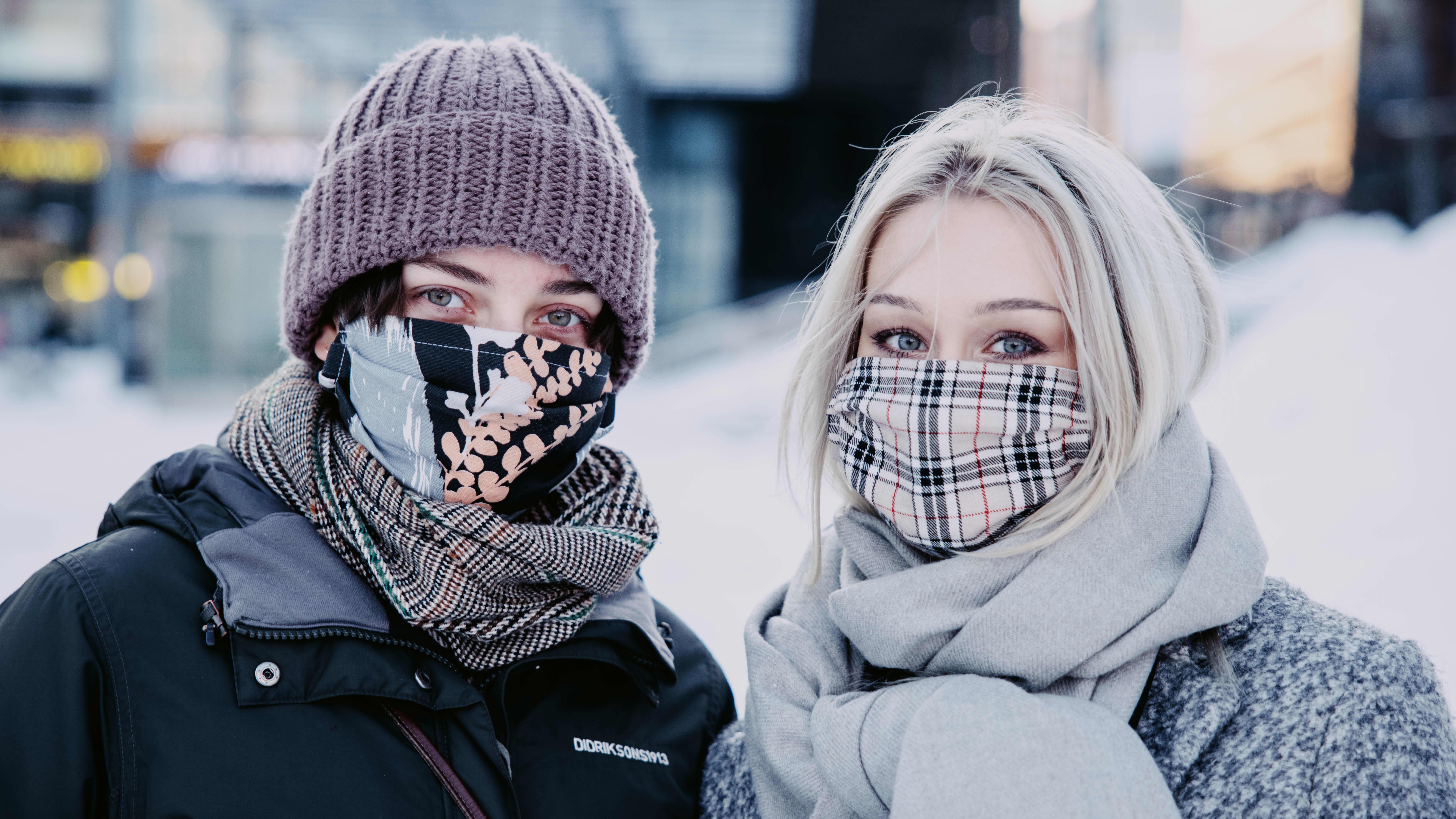 Kuvassa Katariina Rissa ja Matleena Kallio.