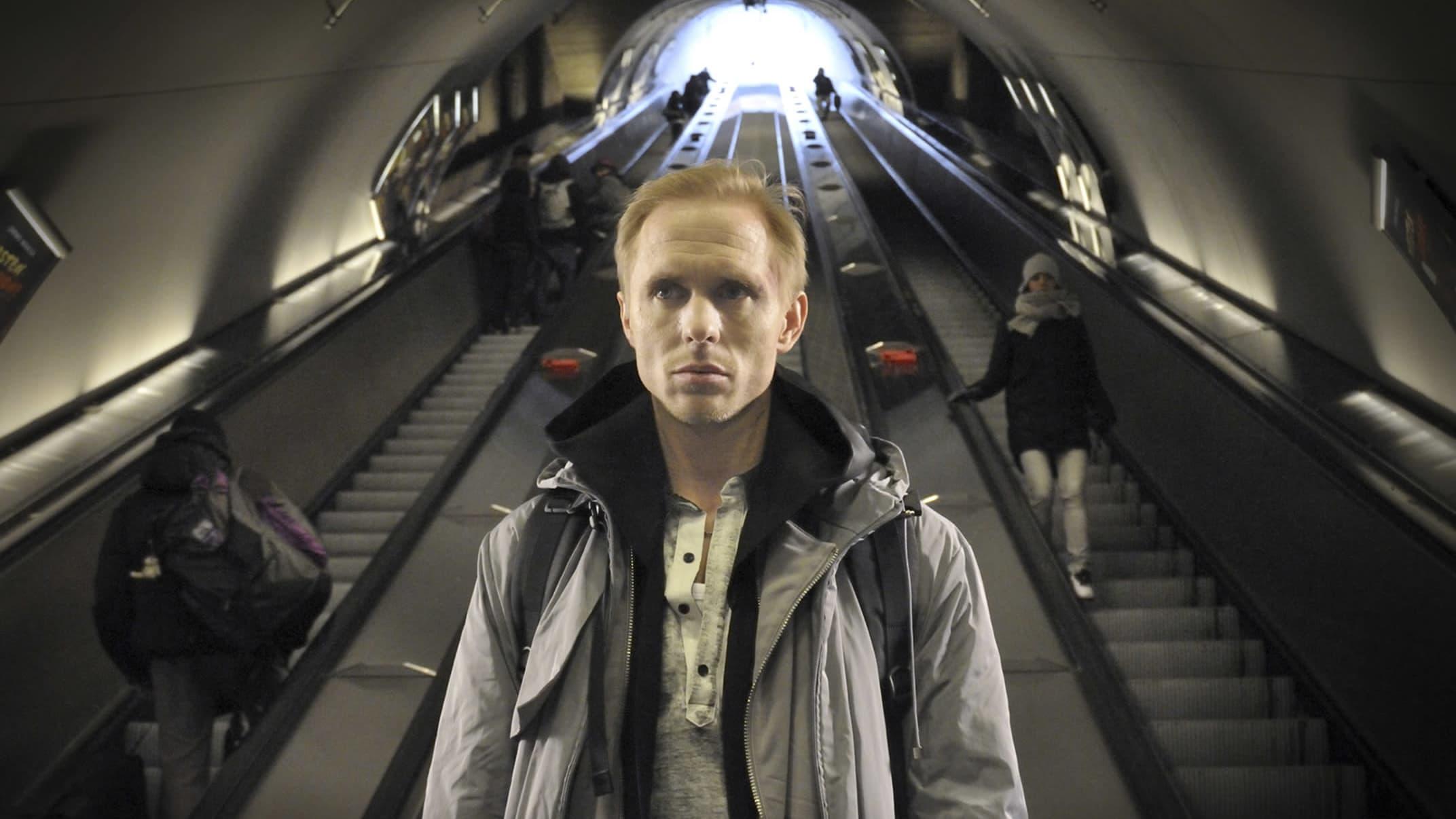 Sampo Sarkola elokuvassa Harjunpää ja pahan pappi (2010)