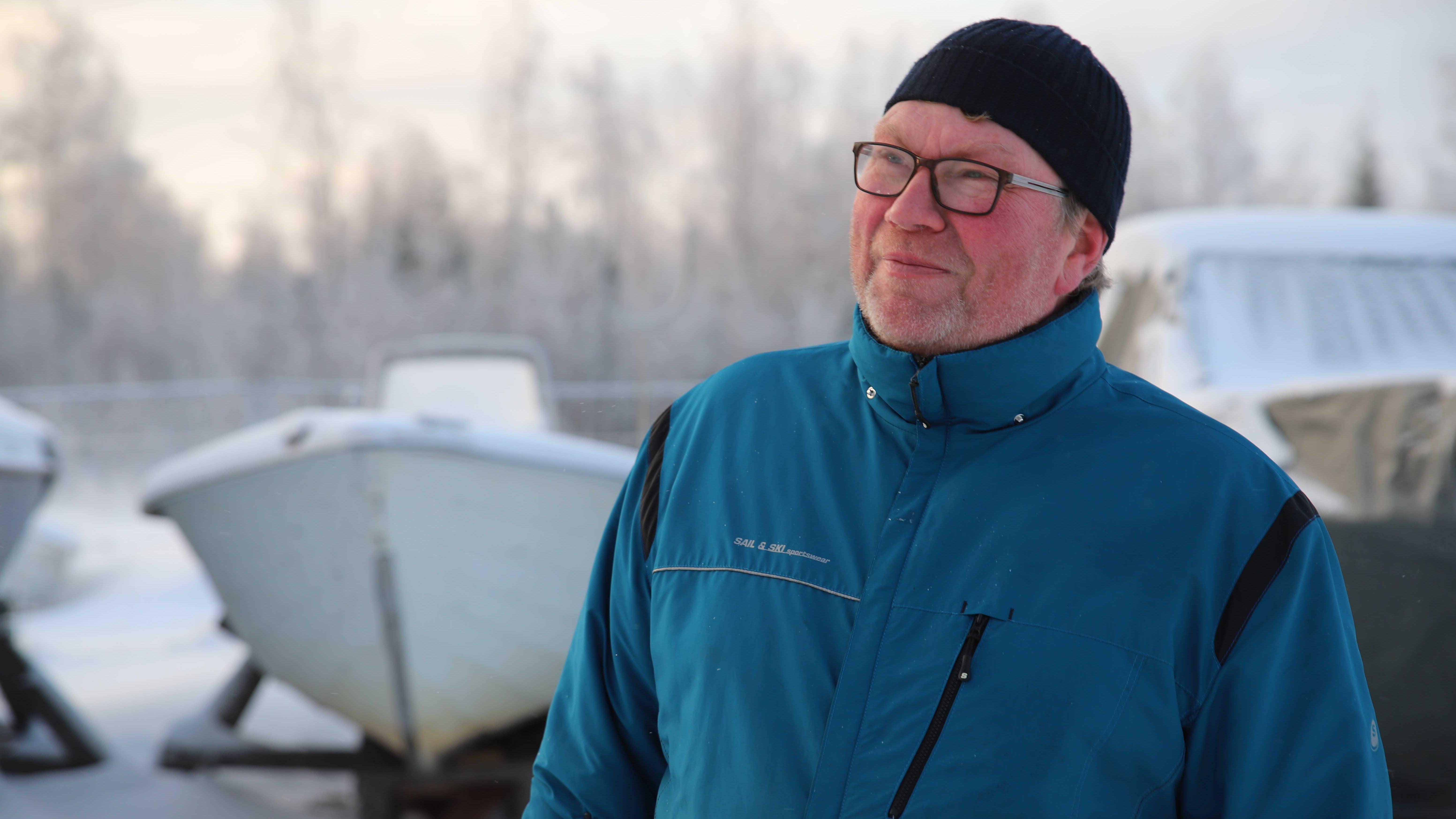 Sivutoiminen kalastaja Tom Blom