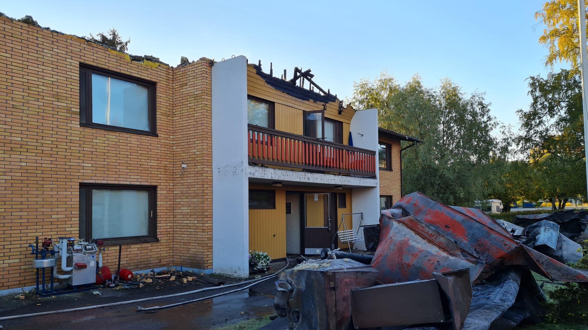 Rantasalmen kirkonkylässä ositteessa Siilinkuja kerrostalo paloi pahoin syyskuussa 2021.