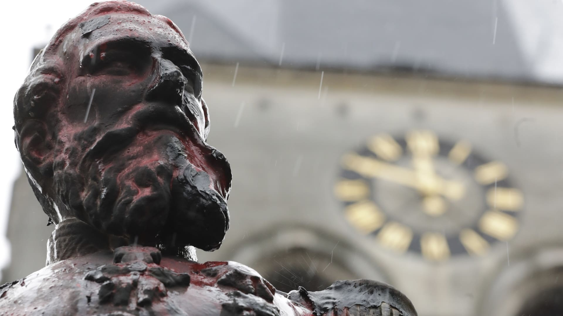 kuningas Leopold II:n töhritty patsas