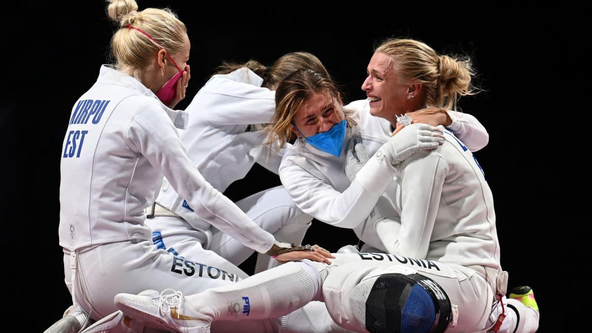 Viro voitti miekkailussa kalvan joukkuekilpailun olympiakultaa.