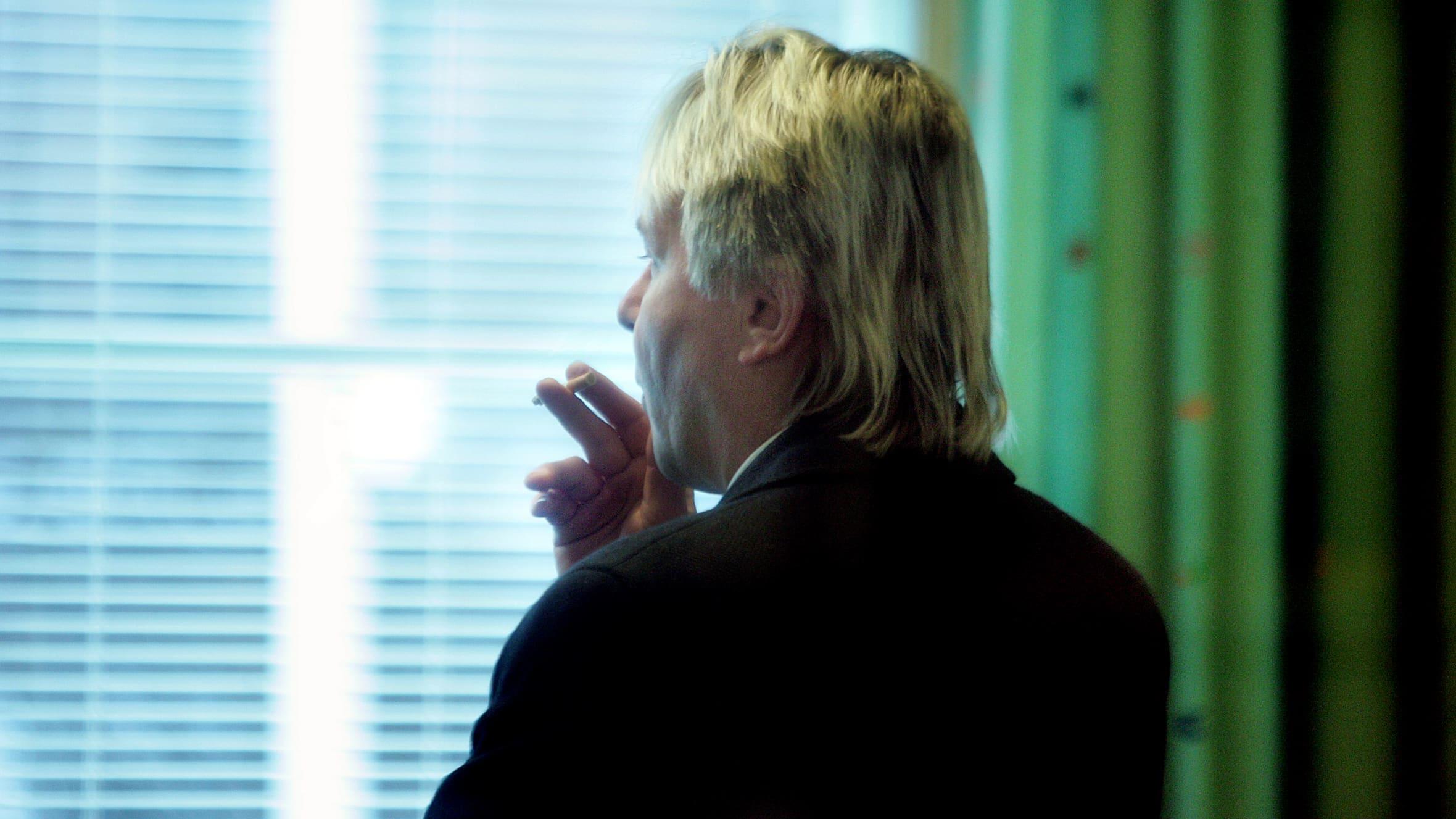 Matti Nykänen röker tobak, 2006.