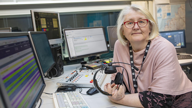 Päivi Rautanen Yle Radio Suomen studiossa Seinäjoella
