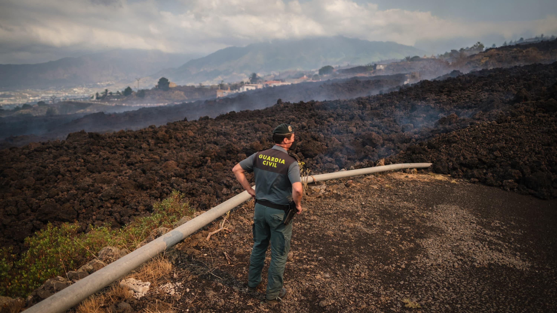 Cumbre Vieja -tulivuori jatkoi purkautumistaan Kanariansaariin kuuluvalla La Palmalla tiistaina.