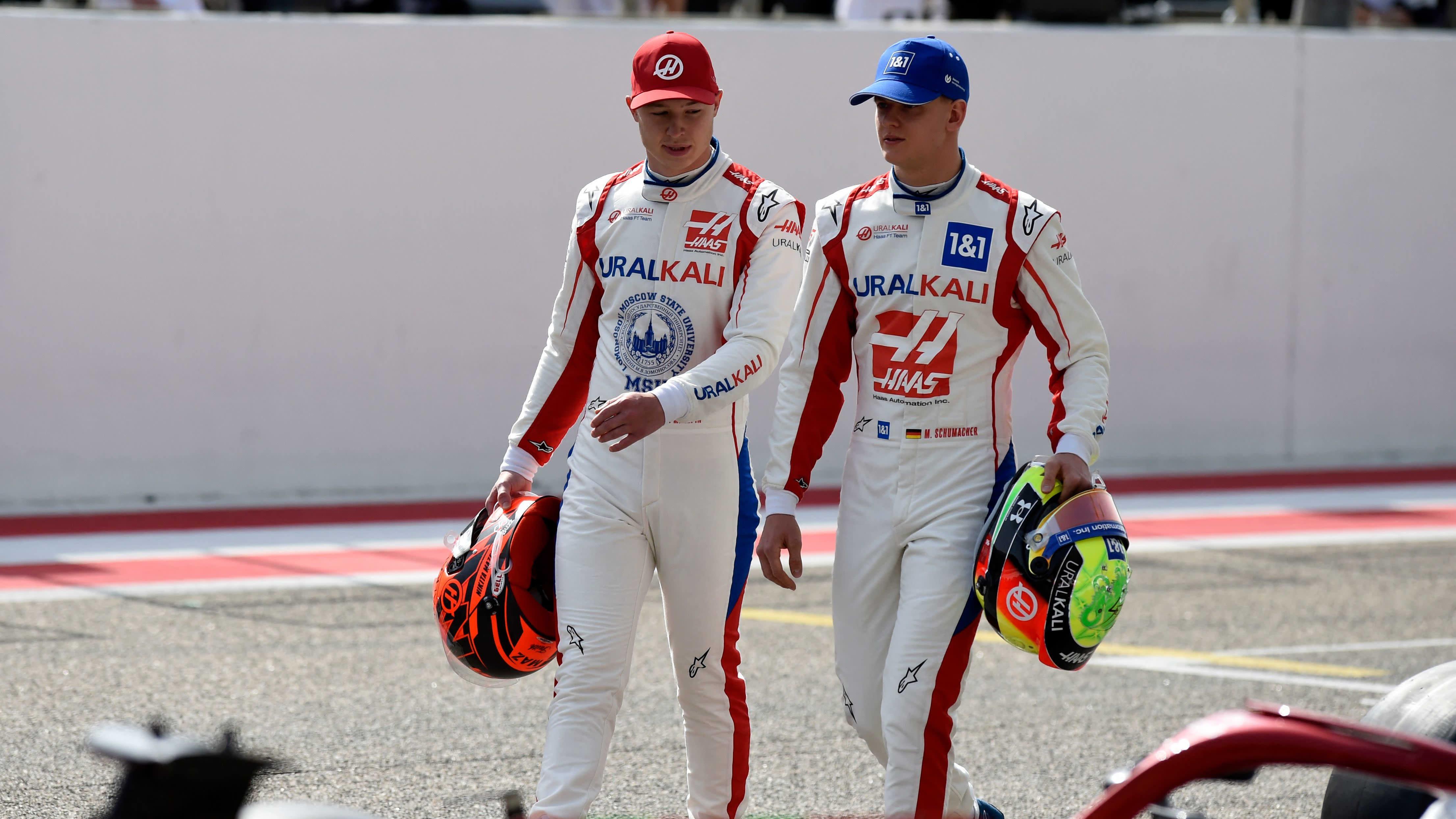 Nikita Mazepin ja Mick Schumacher jatkavat myös kaudella 2022.