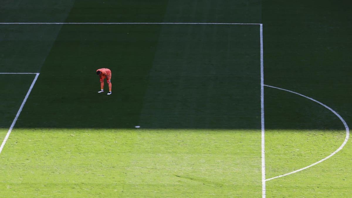 Katso, kuinka kaukaa Espanja imuroi pallon maaliin