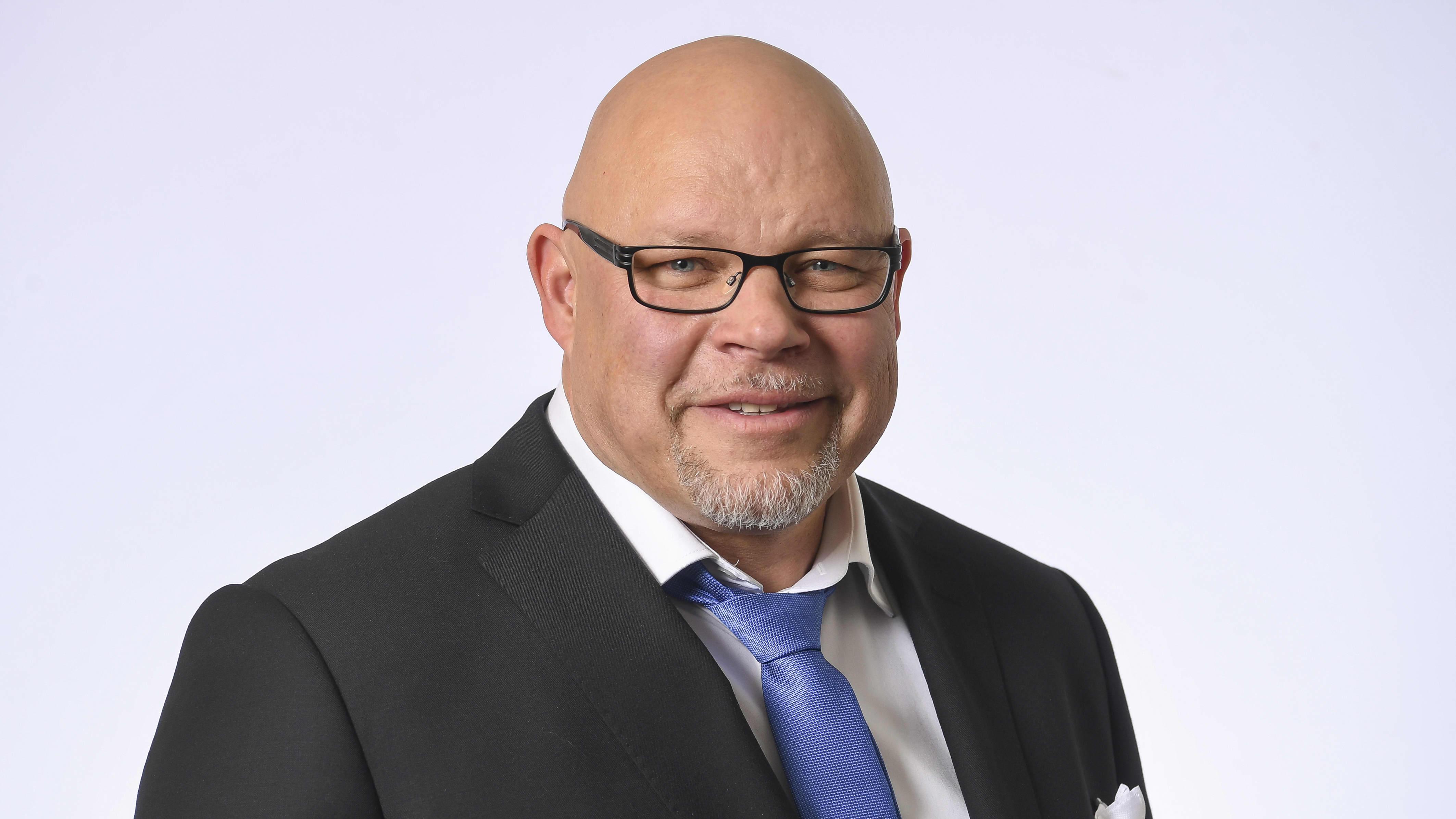 Kansanedustaja Ano Turtiainen, Perussuomalaiset.