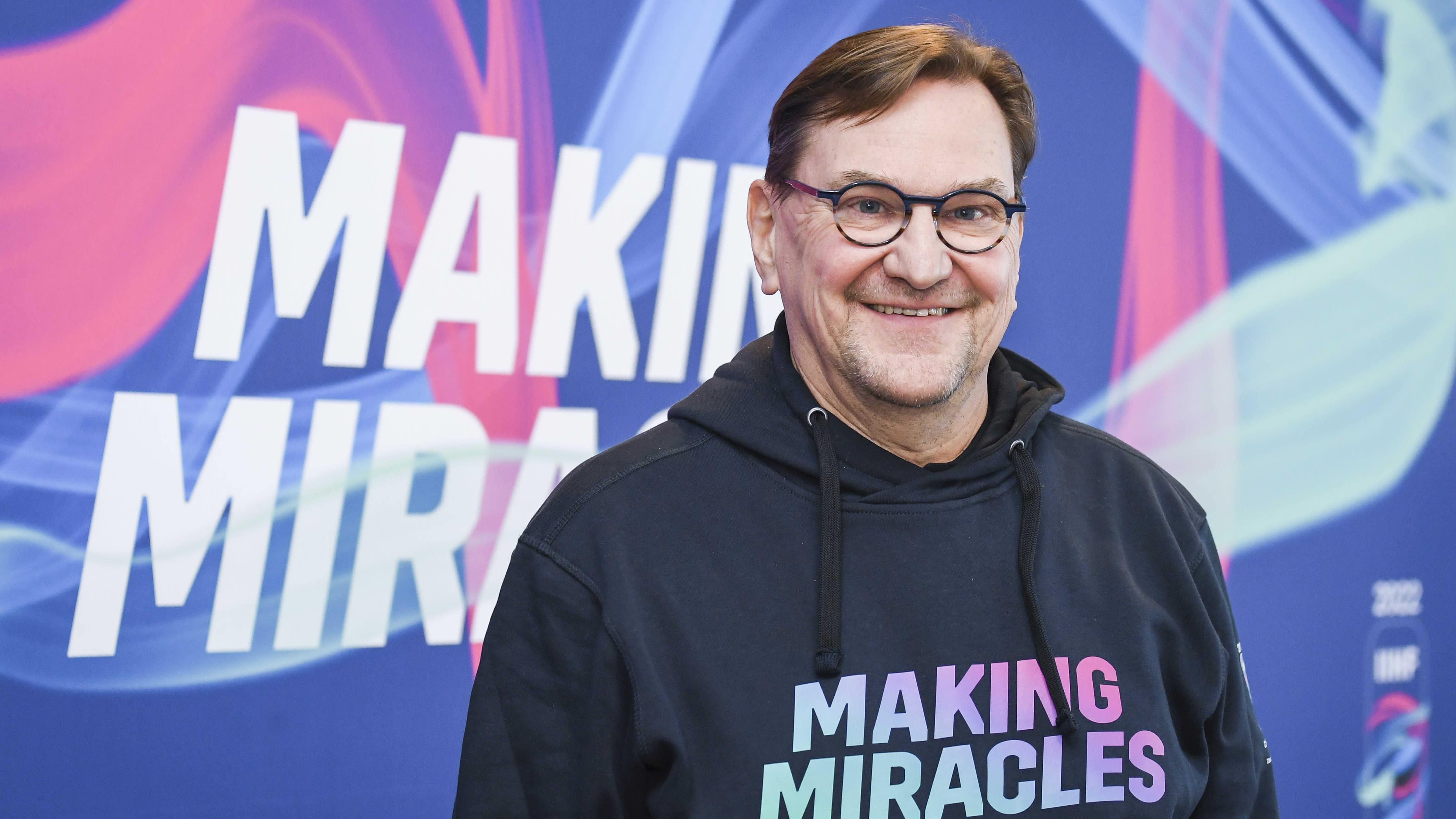 Kuvassa Heikki Hietanen, joka toimii pääsihteerinä jääkiekon MM-kotikisoissa 2022.
