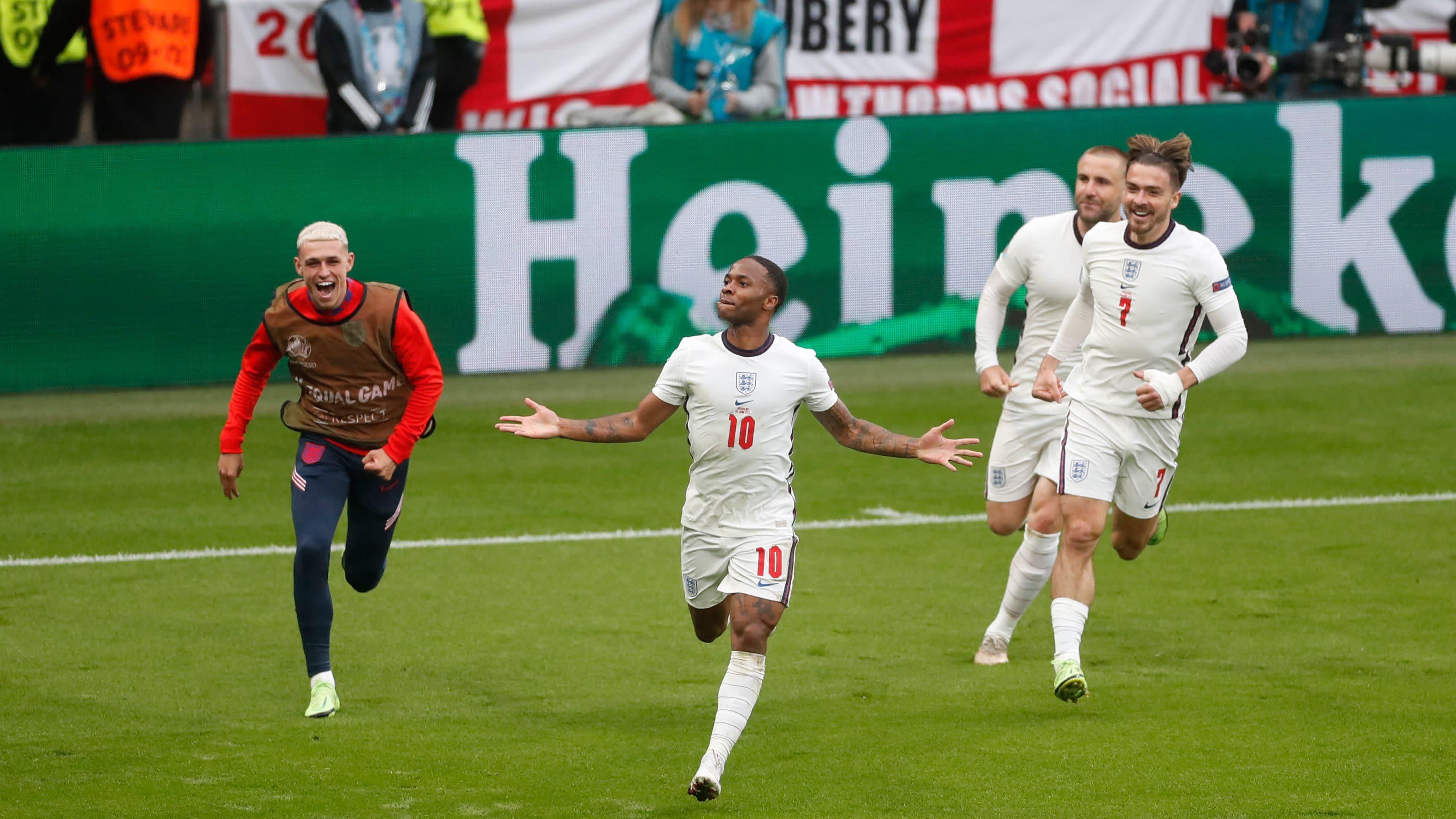 Wembley riehaantui! Sterling iski Englannin johtoon