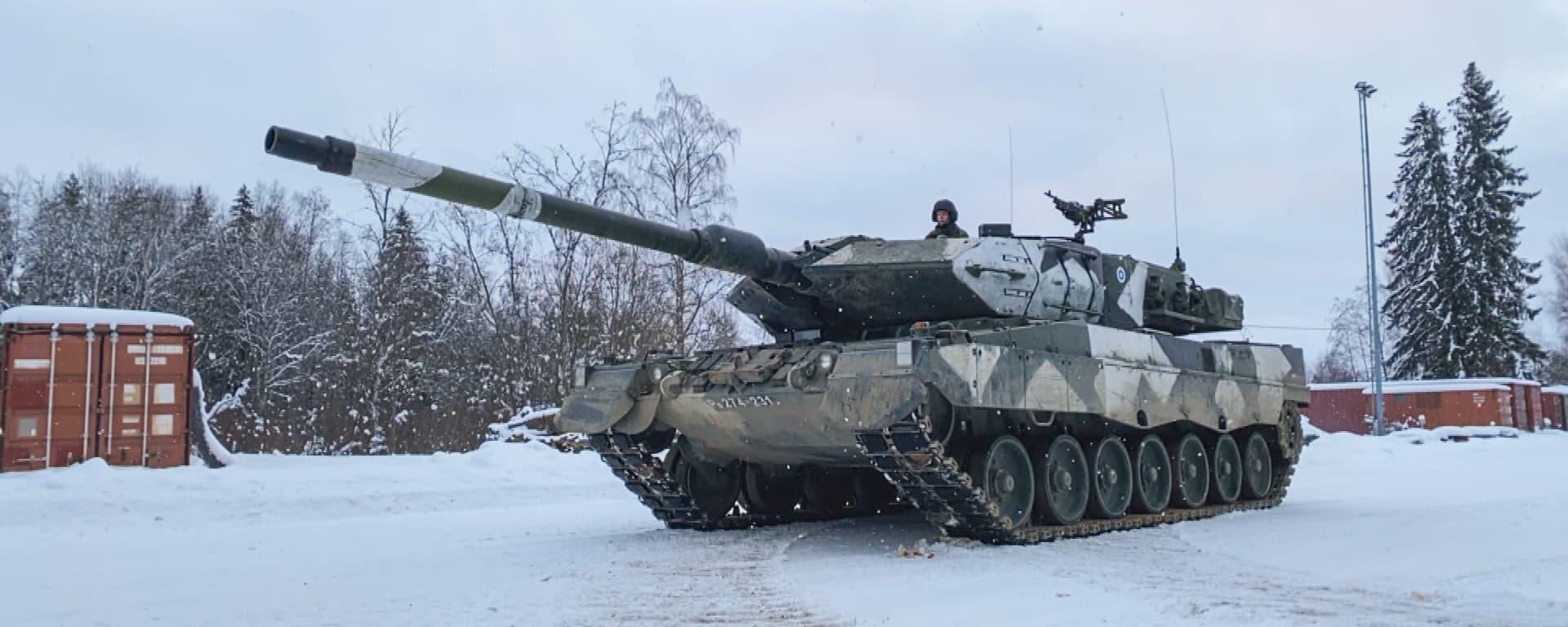 panssarivaunu parolannummella talvella