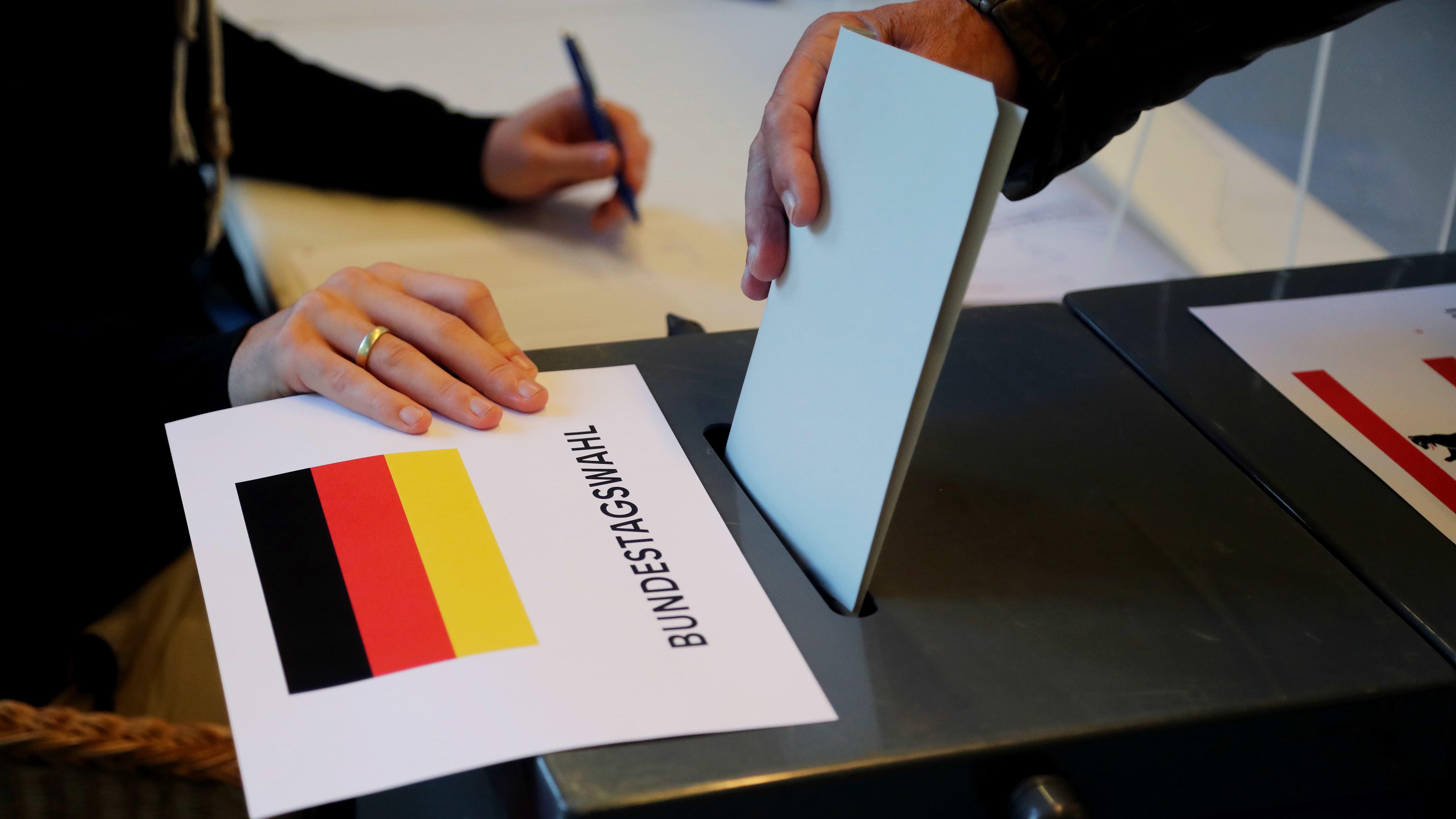 Liittopäivävaalien äänestys alkoi Saksassa