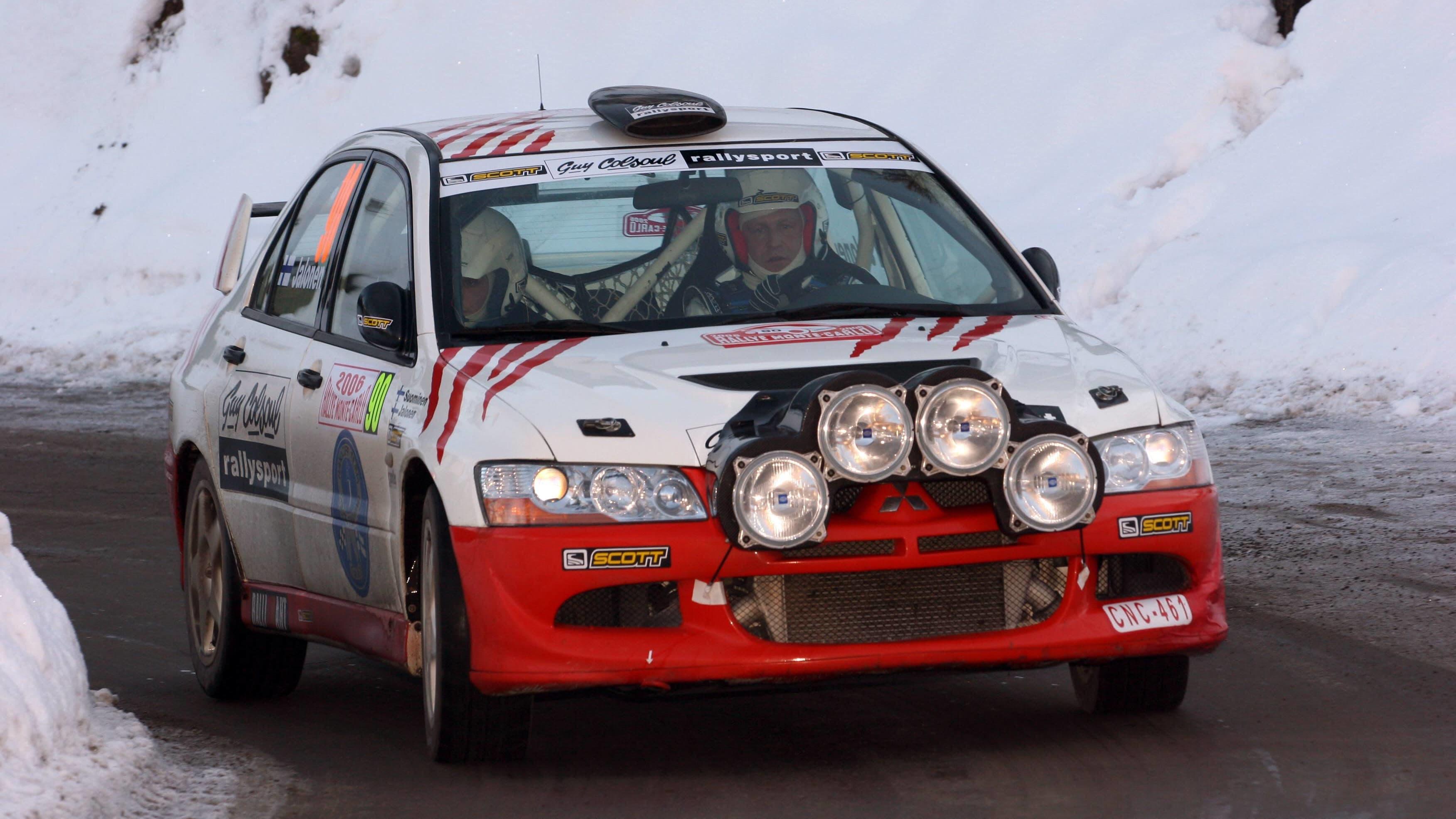 Jukka Jalonen Mitsubishin ralliauton ratissa vuonna 2006.
