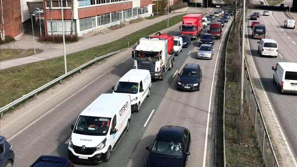 Liikenneruuhka Kehä I:llä.