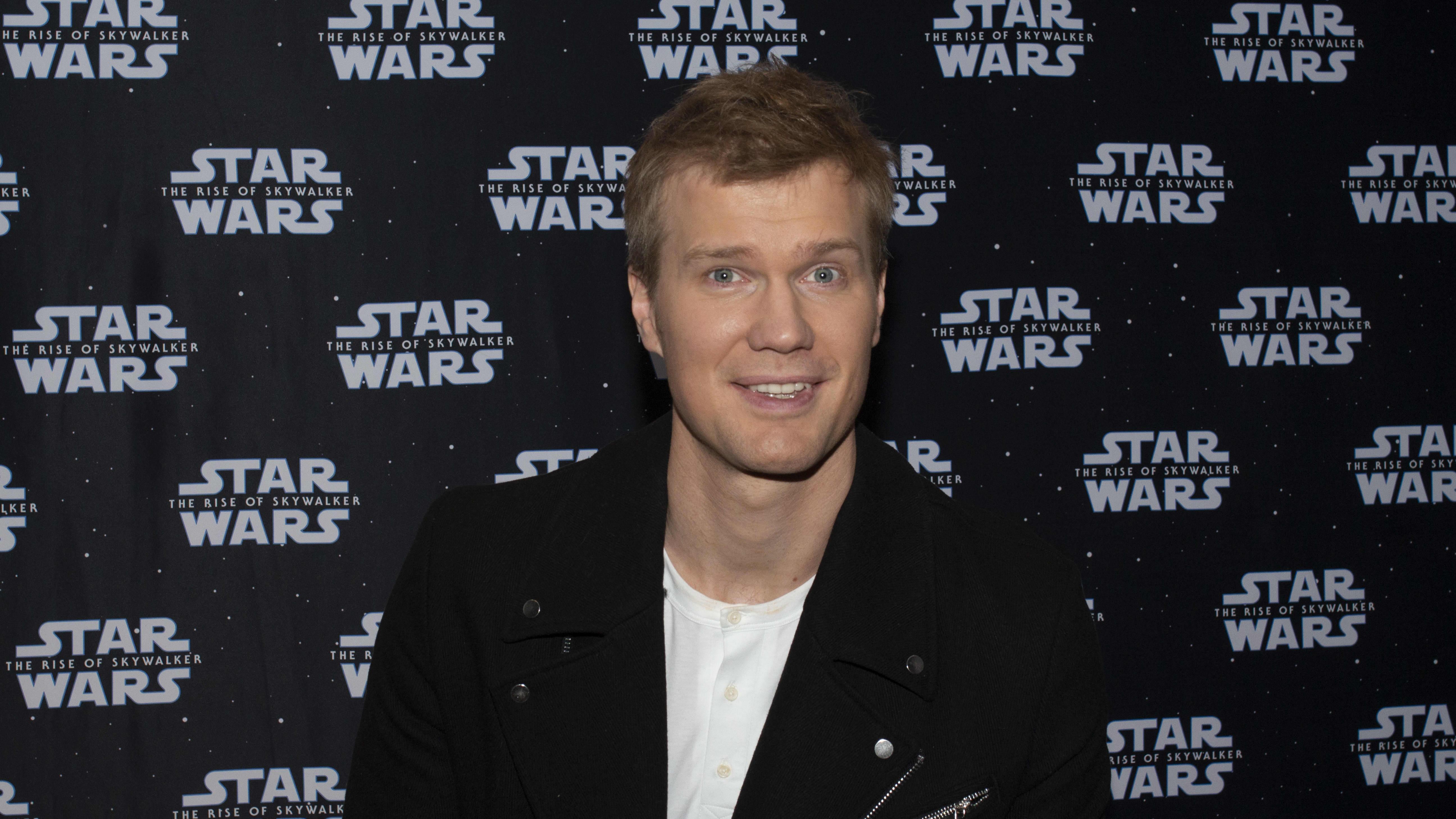 Katso video: Joonas Suotamo kertoo Chewbaccana, millainen uusi Tähtien sota -elokuva on.