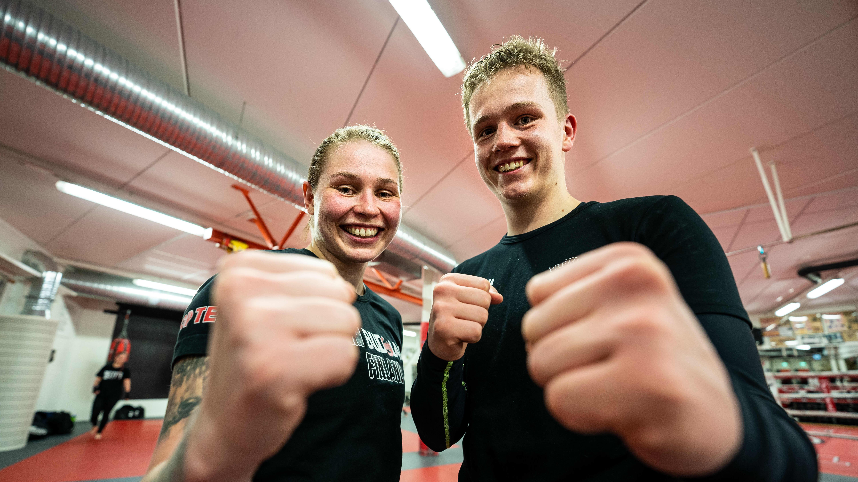 Potkunyrkkeilijät Jenna Puurunen ja Akseli Saurama, Järvenpään Kehäkarhut.