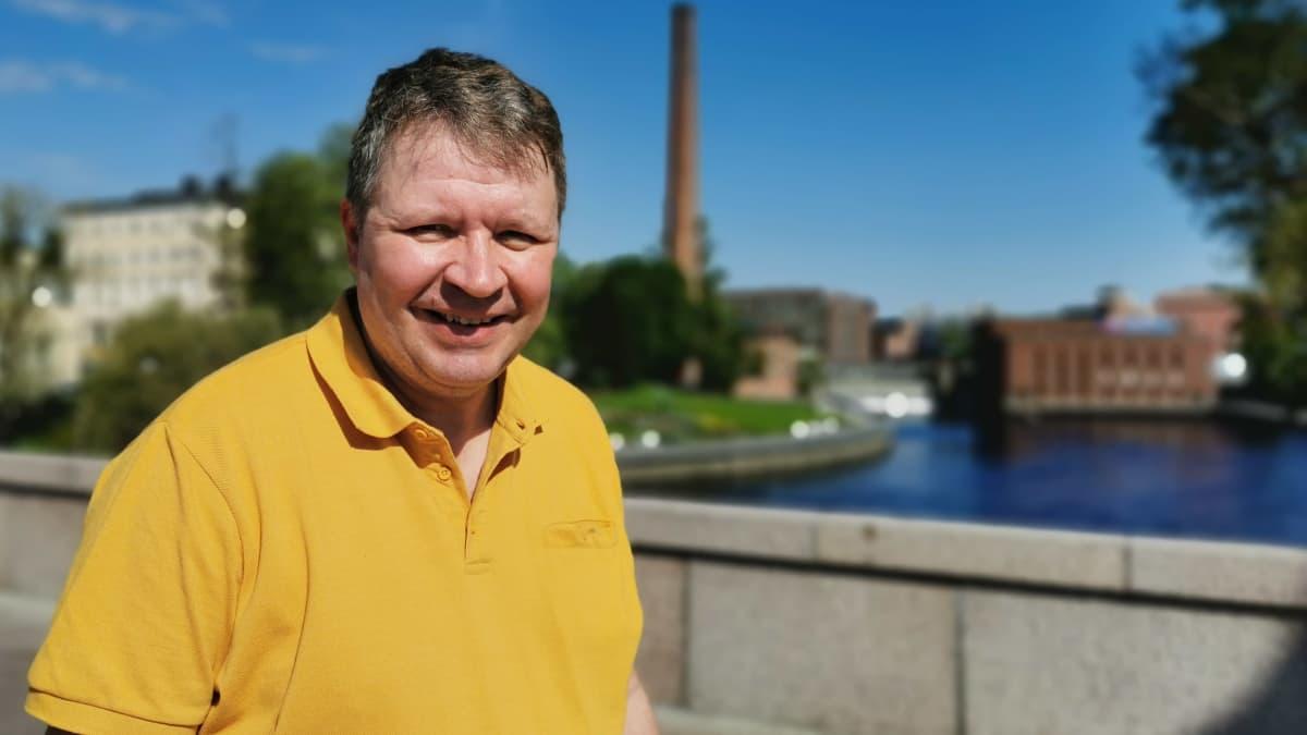 Ylen vaaliasiantuntija Sami Borg on ylpeästi tamperelainen – kotikulmilla tärkeitä paikkoja ovat Rauhaniemen kansankylpylä ja Tammelantori