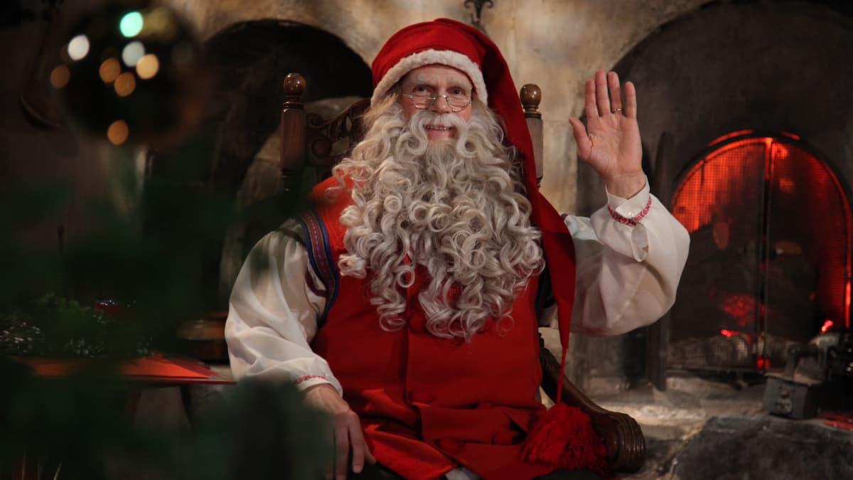 """""""Niko Lahdesta"""" kosi rakastaan joulupukin Kuumassa linjassa"""