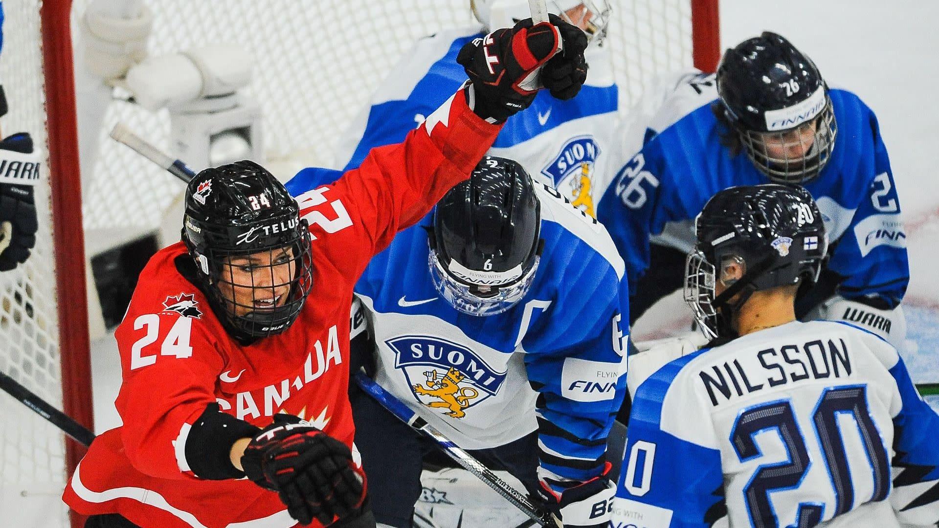 Suomi hävisi Kanadalle maalein 3-5 avausottelunsa jääkiekon naisten MM-kisoissa Kanadan Calgaryssä 20.8.2021..