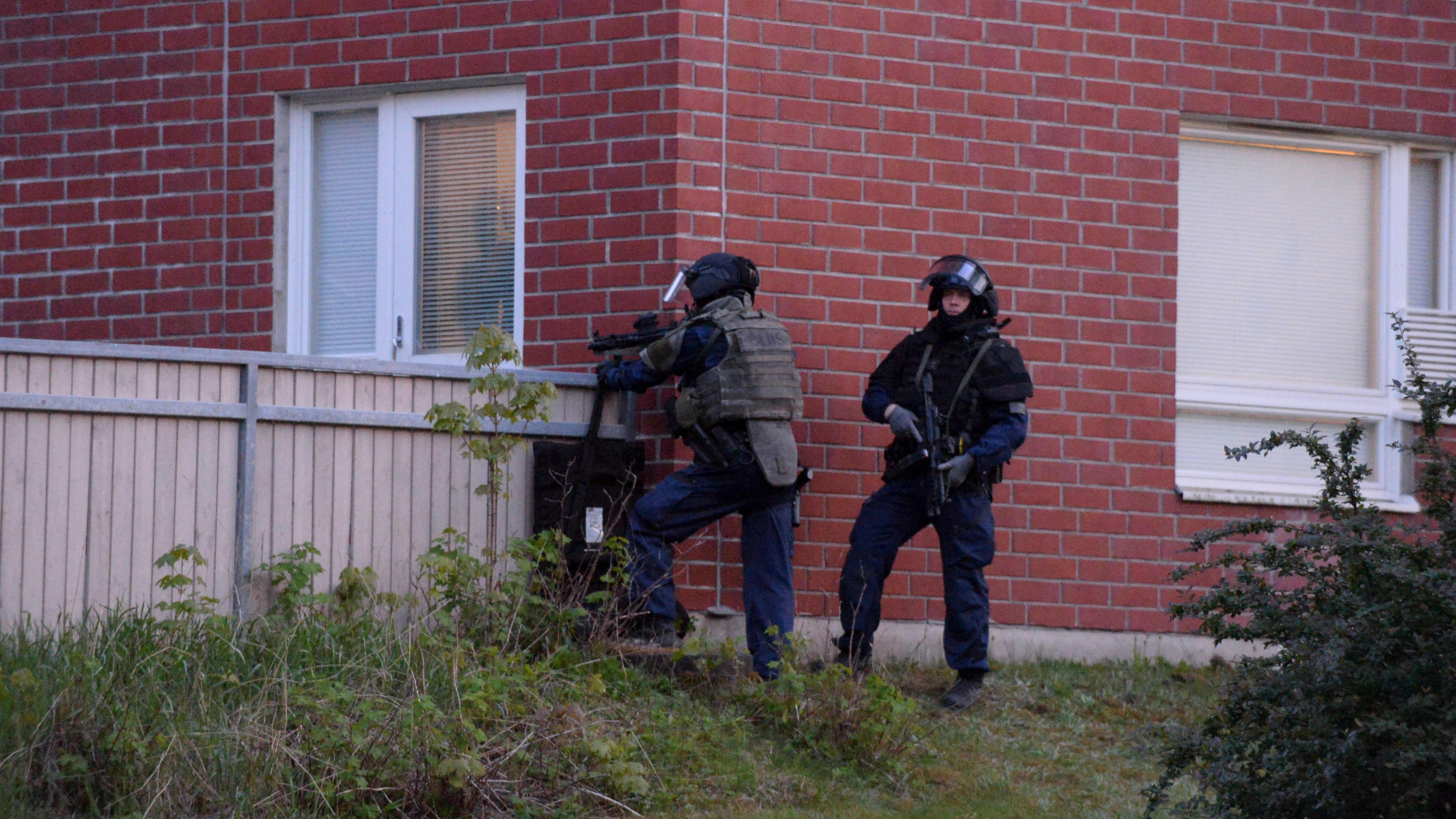 Poliiseja Mäkkylässä
