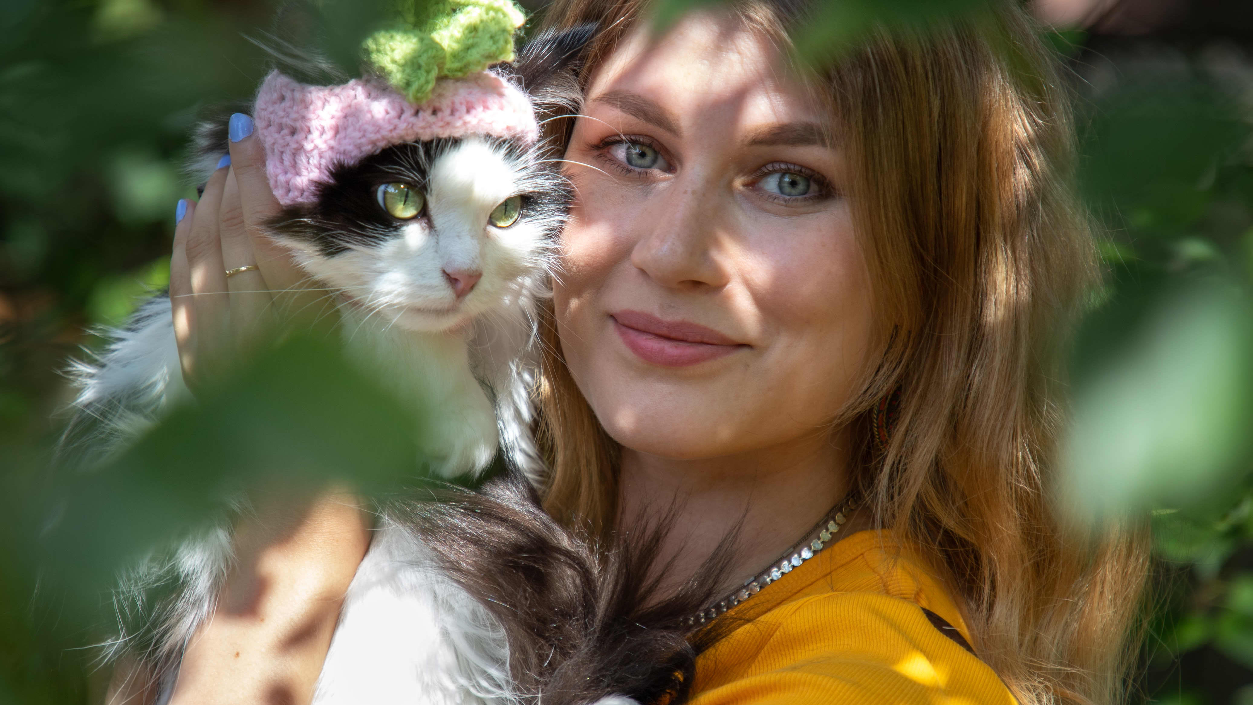 Jo 5 miljoonaa ihmistä on nähnyt hittivideon kurkkua syövästä Mauri-kissasta