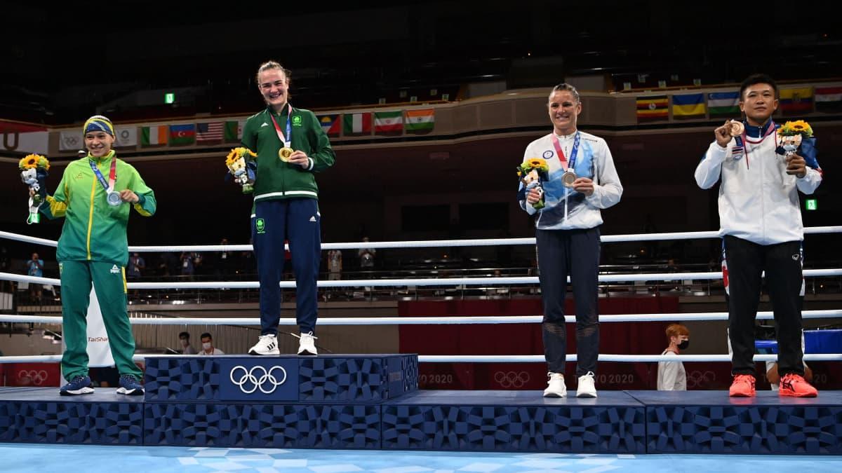 Mira Potkonen sai olympiamitalin kaulaansa