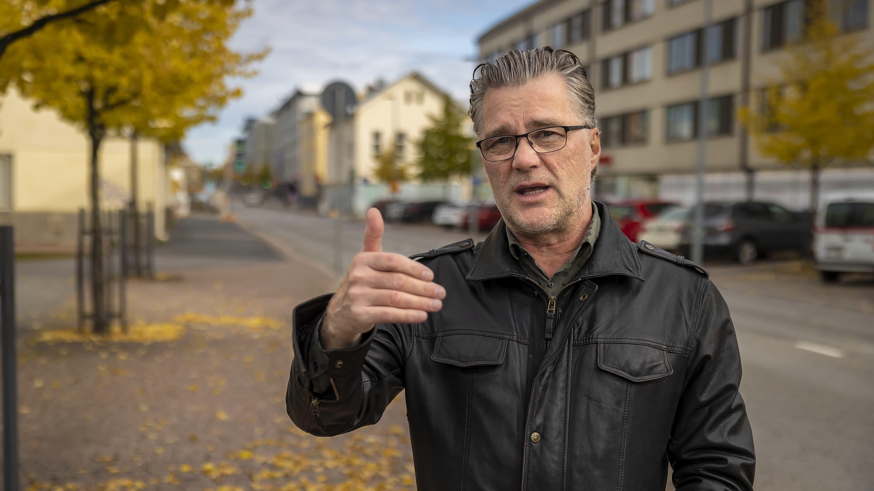 Oulun Liikenneturvan yhteyspäällikkö Eero Kalmakoski